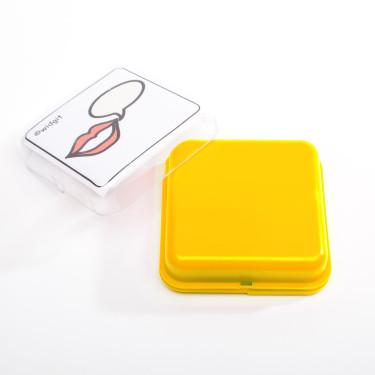 gele vierkante praatknop